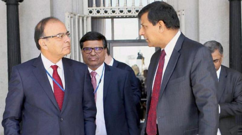 Finance Minister Arun Jaitley and RBI Governor Raghuram Rajan (Photo: AP)