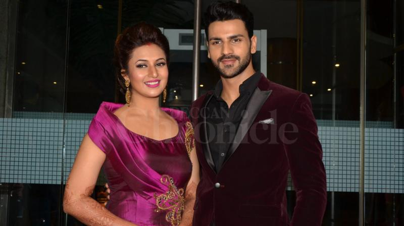 After a lavish wedding and reception party at Bhopal and Chandigarh, Divyanka Tripathi and Vivek Dahiya threw a reception party for their close friends from the industry in Mumbai. Photo: Viral Bhayani