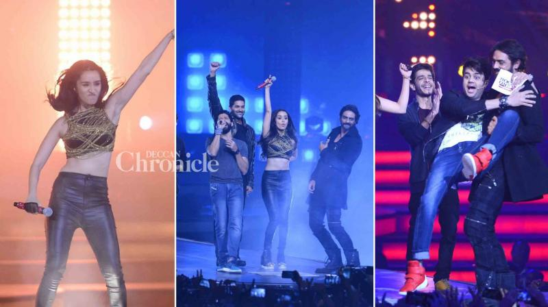 The starcast of the film 'Rock On 2' including Farhan Akhtar, Shraddha Kapoor, Arjun Rampal, Purab Kohli and music composers Shankar Ehsaan Loy entertained fans in a energetic concert. (Photo: Viral Bhayani)