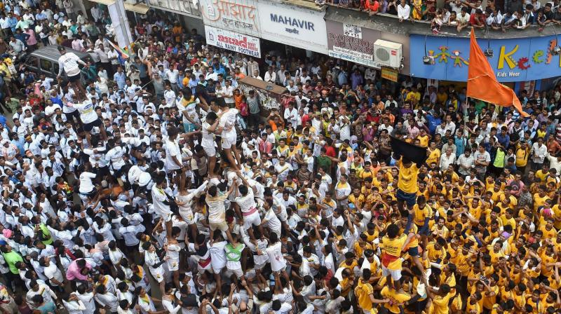 Supreme Court curbs fail to dampen 'dahi handi' spirit in Mumbai
