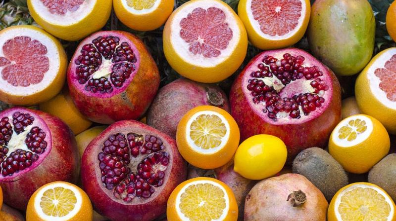 Oranges and other citrus fruits contain plenty of vitamins and substances, such as antioxidants, that can help keep you healthy. (Photo: Pixabay)