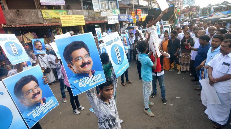 Youth perform flash mob to campaign for UDF candidate and IUML leader MK Muneer in Kozhikode. (Photo: PTI)