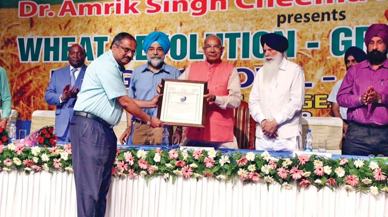 Chidambaram Subramaniam's son S.S. Raksekar receives the award,