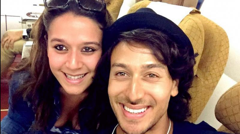 Krishna shroff to make her bollywood debut with brother for Tiger shroff tattoo