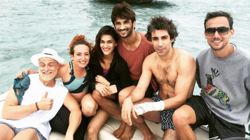 We also see 'Neerja' star Jim Sarbh in the picture.