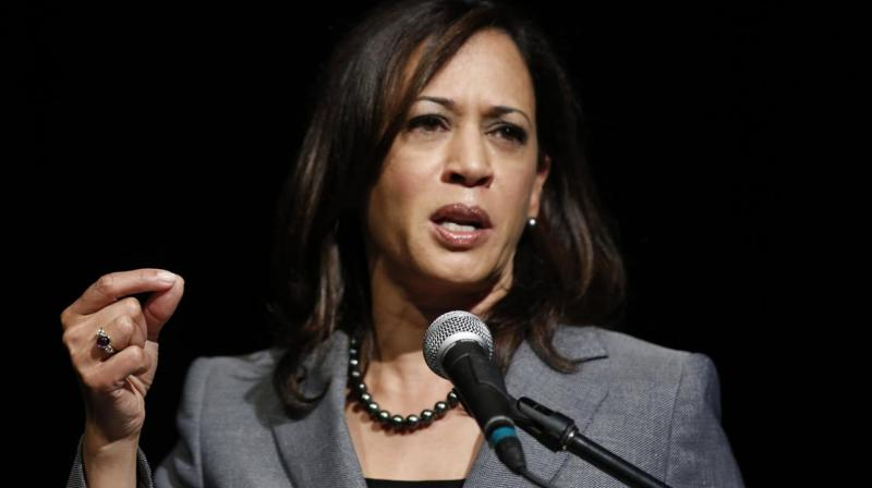Sen. Kamala Harris to Make 2020 Decision 'Over Holiday' With Family