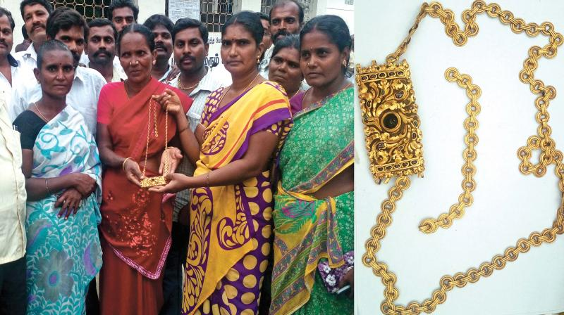 Woman worker Rani stumbled upon jewels while de-silting a lake under the MGNREGA.