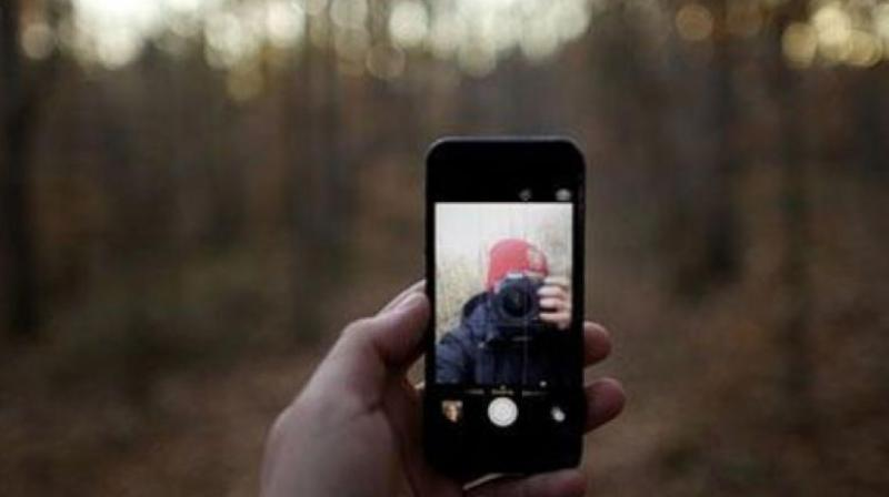 So-called 'selfie deaths' have surged with the global rise of smartphones. (Photo: Representational Image)