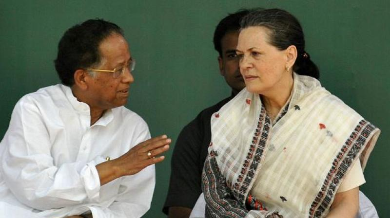 Tarun Gogoi with Sonia Gandhi. (Photo: PTI/File)