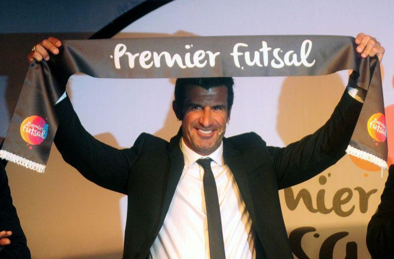 Luis Figo was also presented a scarf while the logo of Premier Futsal was unveiled. (Photo: Debasish Dey/DC)