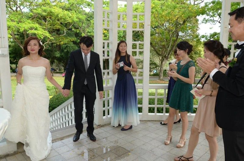 Singaporean Couples Awful Wedding Pictures Go Viral On The Internet