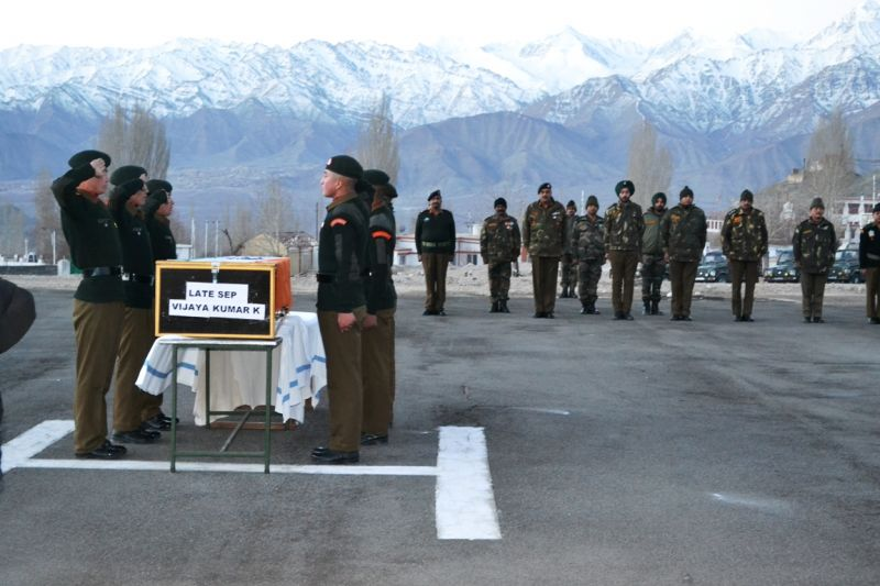 Soldiers pay homage to Sepoy Vijay Kumar in Leh. (Photo: DC)