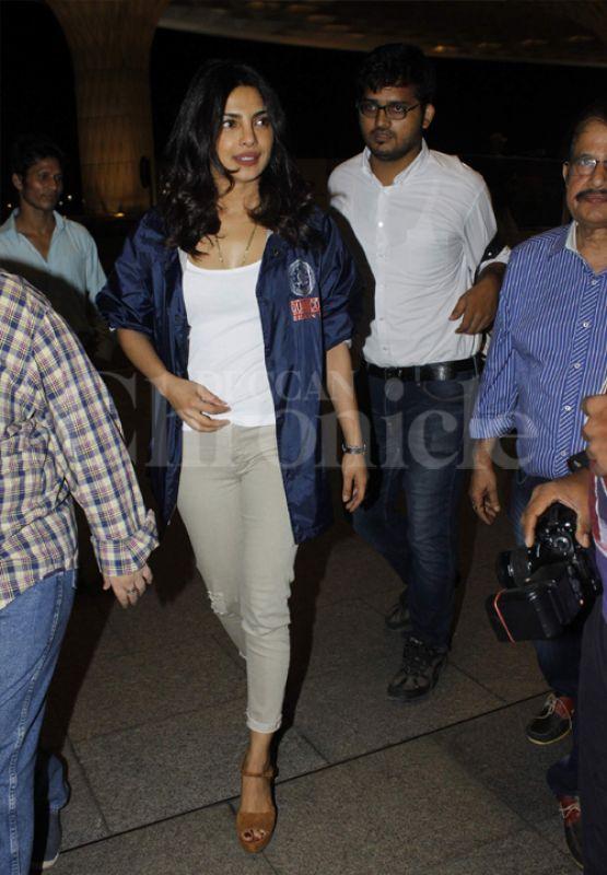 Priyanka Chopra spotted at Mumbai airport. Photo: Viral Bhayani