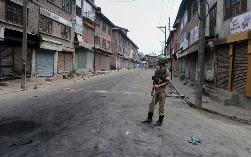 Srinagar and the rest of the Kashmir Valley continues to reel under strict curfew on the third consecutive day on Monday. (Photo: HU Naqash/DC)