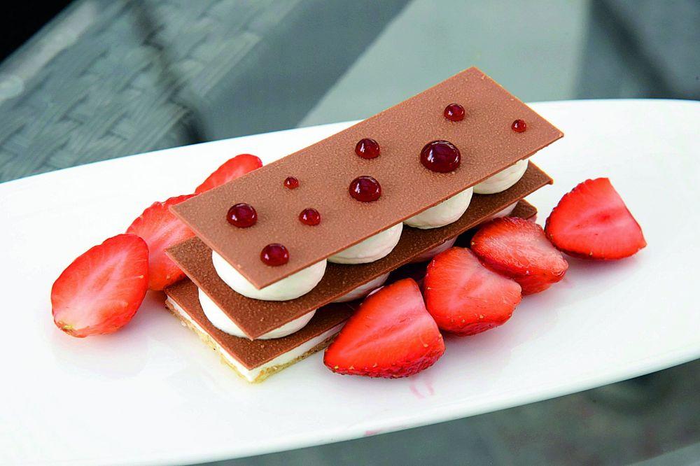 Strawberry mascarpone stracciatella