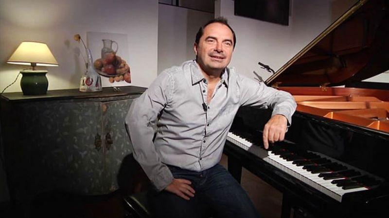 Italian composer Andrea Guerra had previously composed the background score for YRF's 'Dum Laga Ke Haisha'.